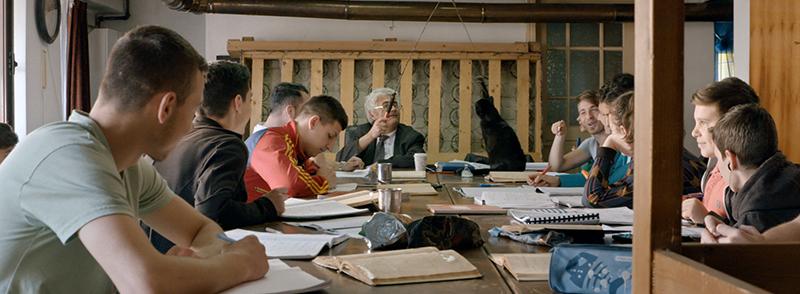 Profu′ (Teach), un film cu substrat